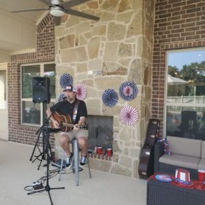 Live entertainment in Lake Conroe community